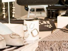 Selling Luxury Items on Amazon-Hire Expert Amazon Upload Services